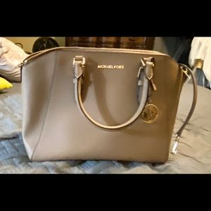 Michael Kors handbag converts to shoulder bag